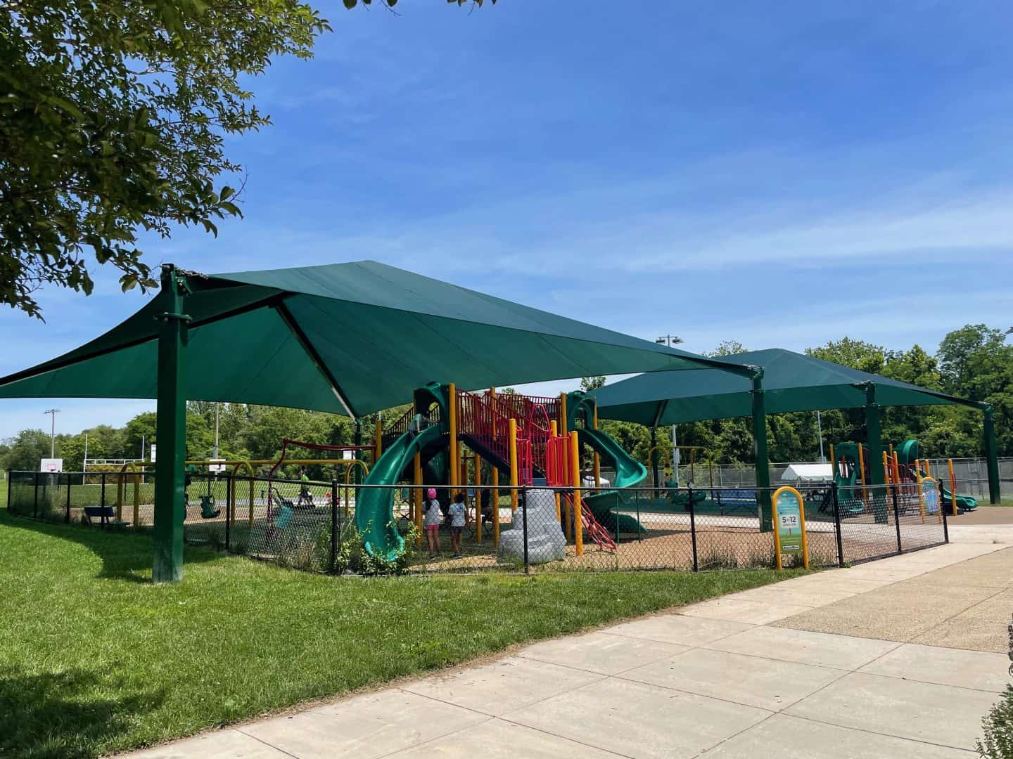 South Run Rec Center shaded and one of the best playgrounds in northern virginia.